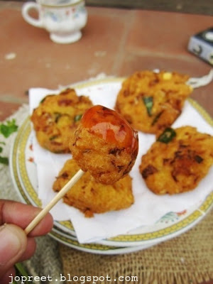 Cabbage & Carrot Masala Vadai