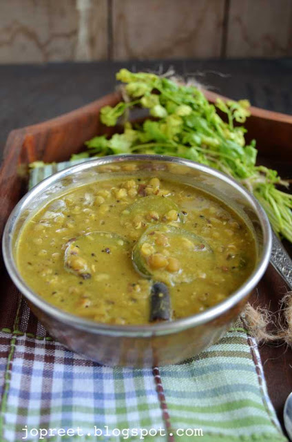 Zucchini Moong Dal (Zucchini & Whole Green Gram Curry)