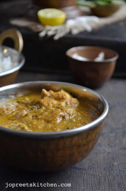 Hyderabadi Chicken Curry