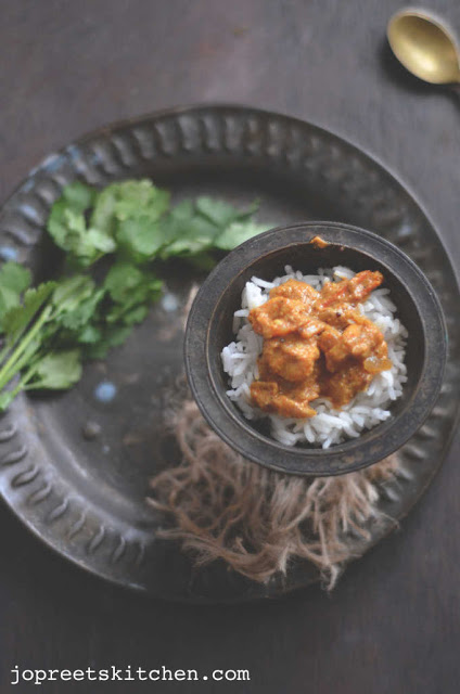 Anjeer Jhinga (Prawns cooked with Dried Figs)