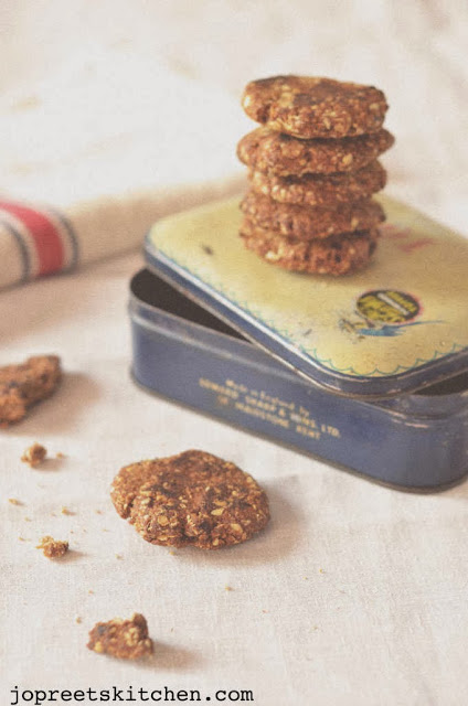 Oats & Dates Cookies - Eggless