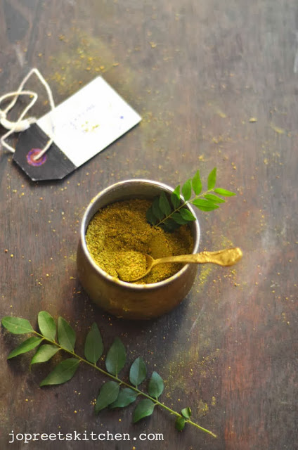 Karuveppilai Paruppu Podi (Curry Leaves & Dal Powder)