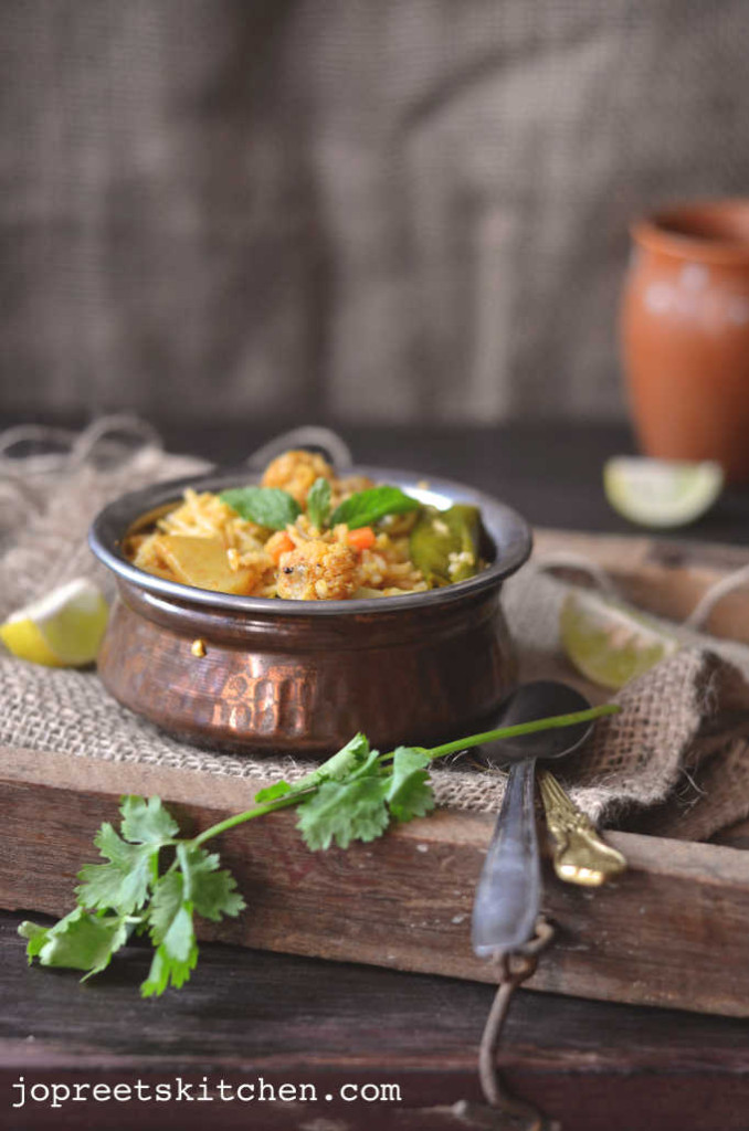 Cauliflower Masala Pulao - Easy Lunch Box Recipes