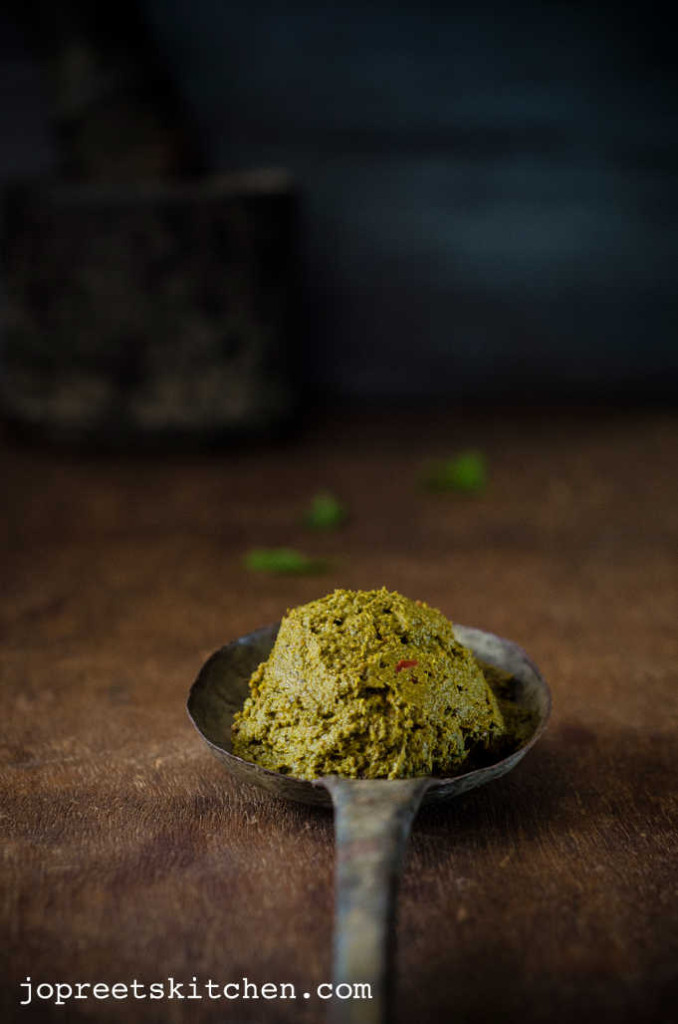 Thoothuvalai Keerai Thuvaiyal - Herbal Green Leaf Recipes