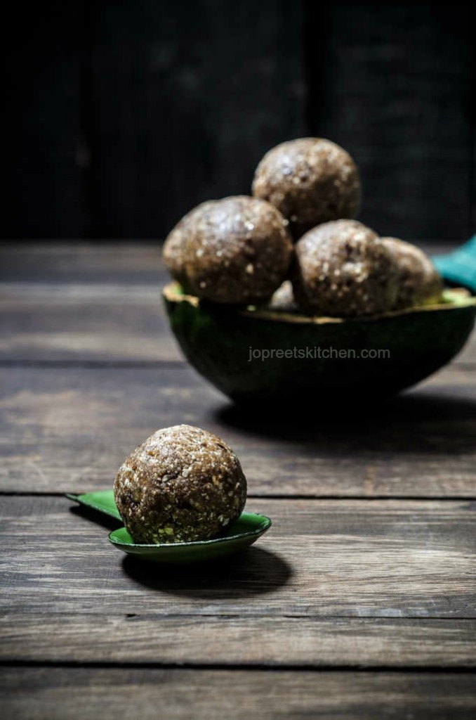 Oats, Avocado & Nuts Balls - No Bake Energy Balls